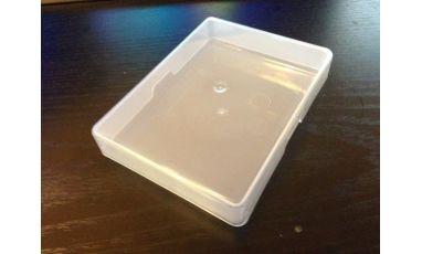 Boite en plastique pour jeu de cartes